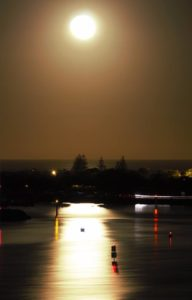 Moon rise over the broad-water at Lobrador Gold Coast