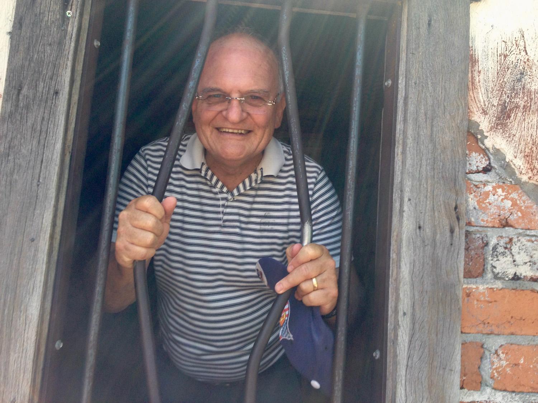 Ken in prison